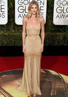 Look da modelo Rosie Huntington-Whiteley no red carpet do Golden Globe Awards 2016