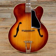 Gibson L-7C Sunburst (NOS Condition) 1966 (s064)