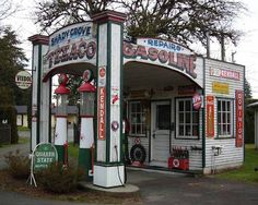 Vintage gas station. Id love to have this as my getaway! I can smell the coffee brewing!