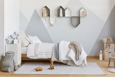 Mountain murals. Gender Neutral bedroom. House shelves. Zara Home
