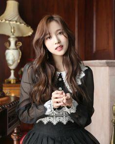 167 Likes, 2 Comments - Twice Nayeon, Kpop Girl Groups, Korean Girl Groups, Kpop Girls, The Band, Twice Once, Myoui Mina, Dahyun, Minatozaki Sana