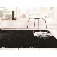 Sumptuous Shaggy Black Quality Floor Rug from Comfortzone Furniture