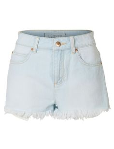 Best Picture For Women's Shorts summer For Your Taste You are looking for something, and it is going to tell you exactly what you are looking for, and you didn't find that picture. Here you will find Jeans For Short Women, Pants For Women, Short Jeans, Jeans Women, Leather Jeans, Denim Jeans, Jeans Price, Skinny Guys, Cut Off Jeans