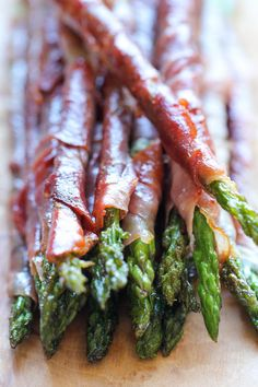 Wedding Appetizers, Yummy Appetizers, Appetizer Recipes, Appetizer Ideas, Holiday Appetizers, Party Recipes, Recipes Dinner, Brunch Recipes, Prosciutto Wrapped Asparagus