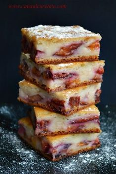 Prajitura cu prune si iaurt | CAIETUL CU RETETE Gourmet Recipes, Baking Recipes, Sweet Recipes, Cake Recipes, Dessert Recipes, No Cook Desserts, Cookie Desserts, Just Desserts, Romanian Desserts