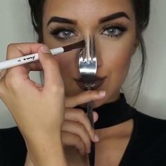 Contour the nose with a fork to get the perfect lines!