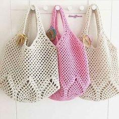 Marvelous Crochet A Shell Stitch Purse Bag Ideas. Wonderful Crochet A Shell Stitch Purse Bag Ideas. Crotchet Bags, Bag Crochet, Crochet Market Bag, Crochet Shell Stitch, Crochet Handbags, Crochet Purses, Knitted Bags, Love Crochet, Crochet Crafts
