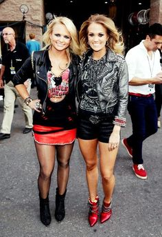 Love this picture of Carrie and Miranda