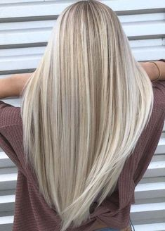 Dreamy Sandy Blonde Hair Color Shades to Sport in 2018 - New.- Dreamy Sandy Blonde Hair Color Shades to Sport in 2018 – New Site Dreamy Sandy Blonde Hair Color Shades to Sport in 2018 – - Sandy Blonde Hair, Blonde Hair Looks, Blonde Wig, Highlighted Blonde Hair, Cool Toned Blonde Hair, Summer Blonde Hair, Blonde Long Hair, Blonde Hair From Brown, Makeup For Blonde Hair