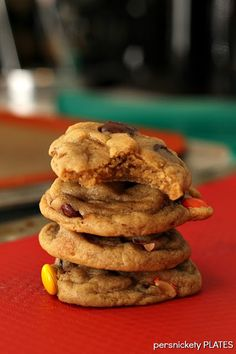 Soft Baked Reese's Pieces Chocolate Chip Cookies