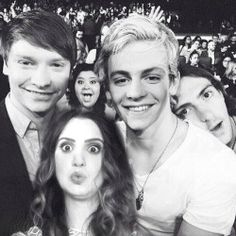 Awww, it's like one big family with 2 photo bombers! :)))
