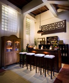 balinese kitchen pantry with antique style lamps hang and wood furniture ethnic Balinese Interior, Bali Style Home, Kitchen Pantry, Kitchen Ideas, Tropical Houses, Home Hacks, Interiores Design, Wood Paneling, Wood Furniture