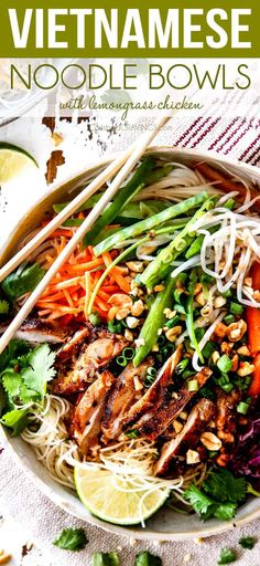 Vietnamese Noodles with Lemongrass Chicken are AMAZING! A satisfying, healthy, fresh and vibrant meal-in-one medley you will crave for days! The juicy chicken alone is worth making this! They also make awesome meal prep for instant lunches or dinner! Lemon Grass Chicken, Clean Eating Snacks, Healthy Eating, Dinner Healthy, Low Carb Brasil, Vietnamese Cuisine, Easy Vietnamese Recipes, Vietnamese Noodle Salad, Asian Cold Noodle Salad