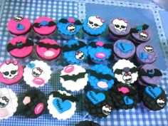 CUPCAKES TEMA MONSTER HIGH