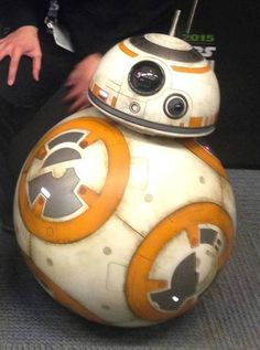Up close with the droid backstage at Star Wars Celebration Anaheim! Star Wars Bb8, Star Wars Droids, Close Up Art, Anniversaire Star Wars, Painted Toms, Star Wars Celebration, Episode Vii, Star War 3, Star Wars Birthday