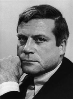 "Oliver Reed  (1938-99)    Actor Oliver Reed died while filming his role in the blockbuster Academy Award winning movie ""Gladiator"". The actor passed away from a heart attack at the age of 61 in May 1999."