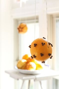 Easy-to-Make Orange & Clove Pomander Balls for Christmas | Apartment Therapy
