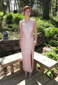 aluminum soda can tabs and ribbon    Maura Pozek always had an eye for fashion, and she showed off her latest creation at her senior prom.     The Missouri high school student created ...http://huff.to/JHYxpR