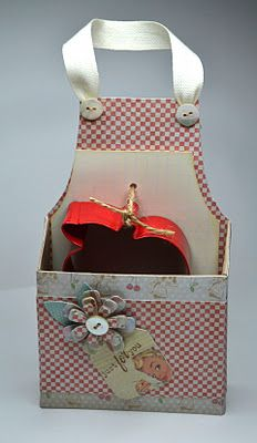 cute apron pouch, fill with recipes, cookie cutters or treats
