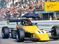 On a September like today, but in Senna set one of his unbeatable records: the driver won his ninth race in a row in Formula Ford. Skip Barber, Jochen Rindt, Formula E, Indy Cars, Tecno, F 1, Fun To Be One, Grand Prix, Race Cars