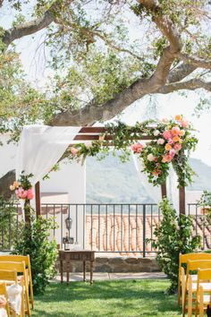 Outdoor summer wedding: http://www.stylemepretty.com/2014/12/29/colorful-summer-wedding-at-ojai-valley-inn/ | Photography: Marianne Wilson - http://www.mariannewilsonphotography.com/ Champagne Color, Champagne Wedding Colors, Colored Wedding Gowns, Summer Wedding Colors, Ceremony Decorations, Table Decorations, Blog, Our Wedding, Wedding Inspiration