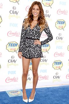 Jana Kramer wore a black lace Alexis mini dress with Dionea Orcini and Jacob jewelry and Sergio Rossi shoes to the 2014 Teen Choice Awards.