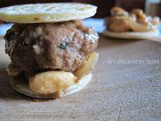 cuocicucidici: piadina con polpette in cipollata al Marsala e mandorle
