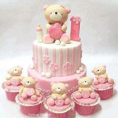 Tarta rosa con osos
