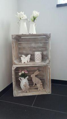 Easter decoration / deco boxes Spring - Karolina - Deko Holzkiste - Deco Home Home Decor Baskets, Basket Decoration, Muebles Shabby Chic, Ladder Decor, Crates, Farmhouse Decor, Christmas Wreaths, Decorative Boxes, Creations