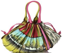 Lupo of Barcelona Abanico bag, splashy print Unique Bags, Candy Bags, African Jewelry, Big Bags, Quilted Bag, Backpack Purse, Textiles, Fashion Accessories, Handbag Accessories