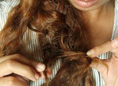 Tired of buying hundreds of dollars of human hair that get tangled after two weeks? Learn how to restore a tangled weave with this incredible tip. Step By Step Hairstyles, Diy Hairstyles, Bad Hair Day, Diy Hair Detangler, Matted Hair, Curly Hair Problems, Tangled Hair, Hair Loss Remedies, Hair Restoration