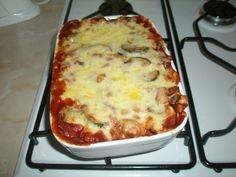I haven't made a good baked bean lasagne in a while! Baked Bean Recipes, Diet Recipes, Vegetarian Recipes, Cooking Recipes, Healthy Recipes, Recipies, Savoury Recipes, Cooking Games, Veggie Recipes