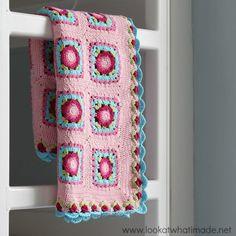 Crochet Lydia Blanket Pattern :http://www.lookatwhatimade.net/crafts/yarn/crochet/free-crochet-patterns/crochet-lydia-blanket-pattern/