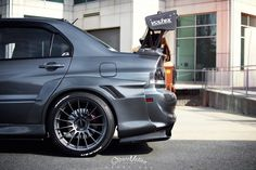 Function, form, and fit, all words that could be used to describe Srun Sookmeewiriya's Evo 9 SE. Srun's take on modifying his Evo is one of my favorites; Slammed Cars, Jdm Cars, Tuner Cars, Evo X, My Dream Car, Dream Cars, Mitsubishi Cars, Mitsubishi Lancer Evolution, Drifting Cars