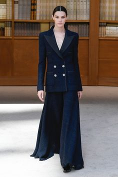 Haute Couture Gowns, Haute Couture Fashion, Chanel Couture, Dress Outfits, Fashion Outfits, Chanel Dress, Chanel Fashion, Classy And Fabulous, Business Women