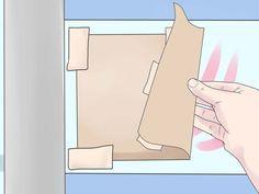 Tener vidrios esmerilados es un detalle importante para dar privacidad a tu hogar, especialmente al baño. El proceso implica pasar un espray sobre una ventana para opacarla un poco. Esto permite que la luz natural pase por el vidrio pero ...