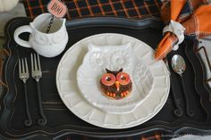 Happy Owl-oween and easy owl cookies that are a hoot to make! | homeiswheretheboatis.net #halloween