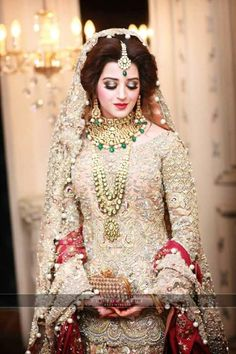 beautiful dulhan in wedding dress Pakistani Bridal Makeup, Pakistani Wedding Dresses, Bridal Lehenga, Indian Bridal, Bridal Gowns, Elan Bridal, Bridal Sets, Dulhan Dress, Walima Dress