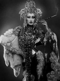 Oriental dark queen