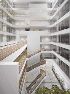 Richard Meier & Partners Architects, Roland Halbe - www.rolandhalbe.de · City Green Court · Divisare