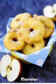 Very easy apple donuts , Very easy apple donuts: Very easy apple donut recipe - Marmiton. Apple Donut Recipe, Apple Recipes, Sweet Recipes, Beignets, Churros, Desserts With Biscuits, Spring Desserts, Mini Cheesecakes, Love Food