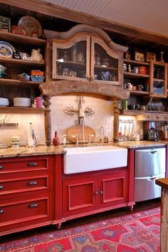 Old Barn Wood Design Ideas, Pictures, Remodel, and Decor - page 3 Country Kitchen Interiors, Rustic Country Kitchens, Rustic Farmhouse, Farmhouse Kitchens, Country Girl Home, Wood Bathtub, Old Barn Wood, Wood Design, Building A House