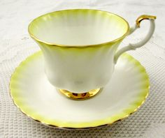 Royal Albert Tea Cup and Saucer Yellow Rainbow Series, Vintage Bone China Teapot Cookies, Antique Tea Cups, Vintage Tea, Vintage Yellow, Vintage China, China Tea Cups, Tea Service, My Cup Of Tea, Chocolate Pots