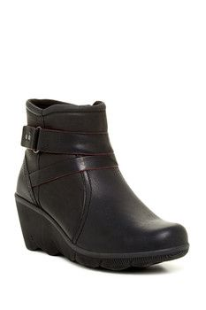 Cobb Hill REVhex Leather Wedge Bootie