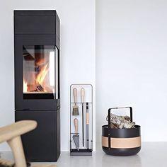 SOON WEEKEND  Fireplace accessories by @eldvarm  and photo by @stylizimoblog  #nordpeis #quadro2new #peis #ovn #vedovn #peiskos #interiør #skandinaviskehjem #nordiskehjem #inspirasjon #inspirasjonsguidennorge #fireplace #stove #woodburningstove #interiorarchitecture #inspo #interior4all #interior123 #scandinaviandesign #nordicinspiration #decoration