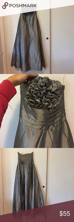 Stunning and regal ball gown dress Beautiful silver/grey ball gown dress. Worn only 2 times. Looks new. Perfect for prom or weddings. Daisy Dresses Prom