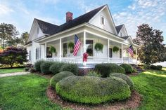 A+Southern+Historic+Home+With+a+Porch+That+Won't+Quit  - HouseBeautiful.com