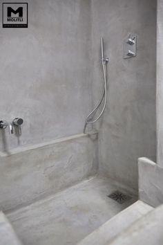 Betonstuc badkamer met verzonken bad - OBLY bad dusche fugenlos natur grau