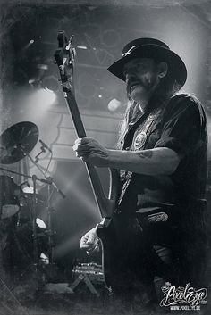 Lemmy Kilmister / Motörhead (2012) by THE PIXELEYE // Dirk Behlau, via Flickr
