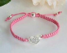 Crochet jewelry bracelet simple 18 Ideas for 2019 Paracord Bracelets, Macrame Bracelets, Handmade Bracelets, Jewelry Bracelets, Jewelery, Handmade Jewelry, Bracelet Crafts, Crochet Bracelet, Jewelry Crafts